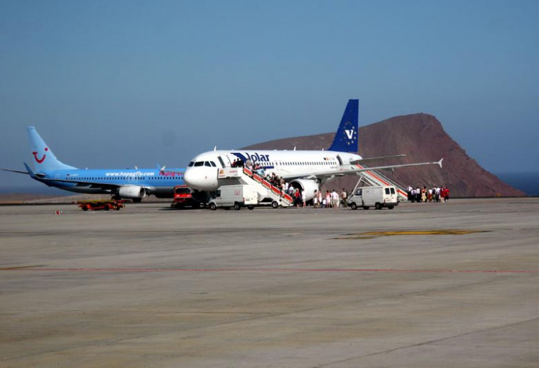 Рис.1  Аэропорт Тенерифе.
