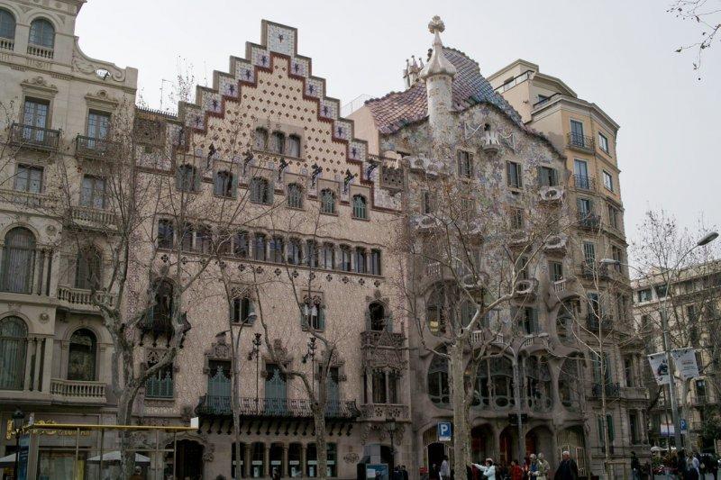 Дом Амалье и дом Бальо, Барселона, Испания