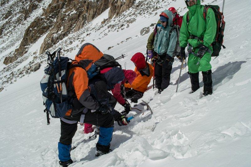 проводим ледовые тренировки (альплагерь Ала-Арча)