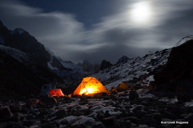 ночь (альплагерь Ала-Арча)