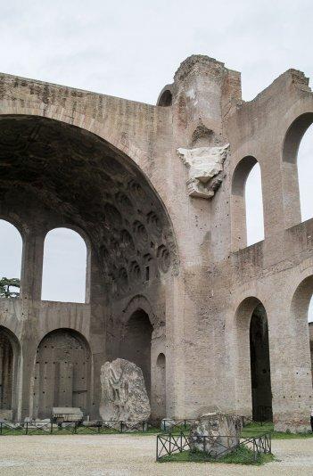 Базилика Максенция