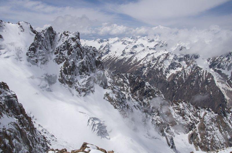 Суровые горы Киргизии