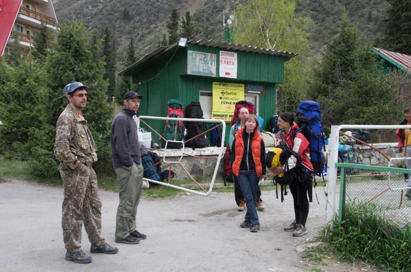 ожидание транспорта в Бишкек