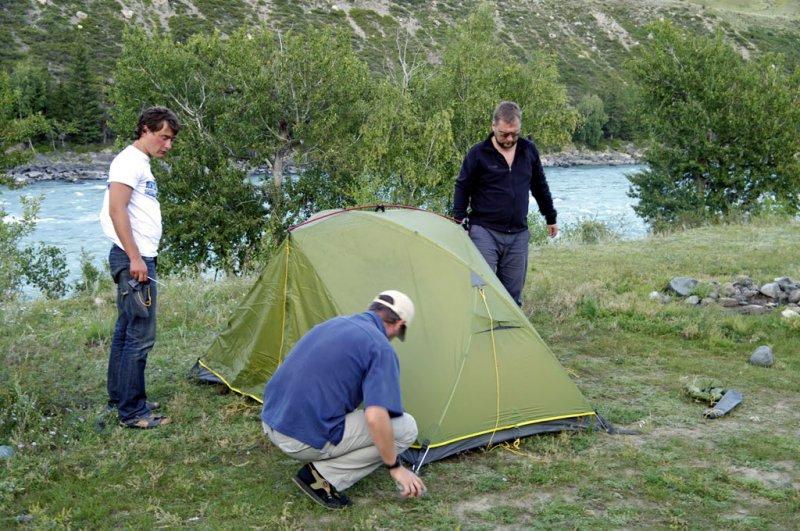 Ставим палатку на Чуе