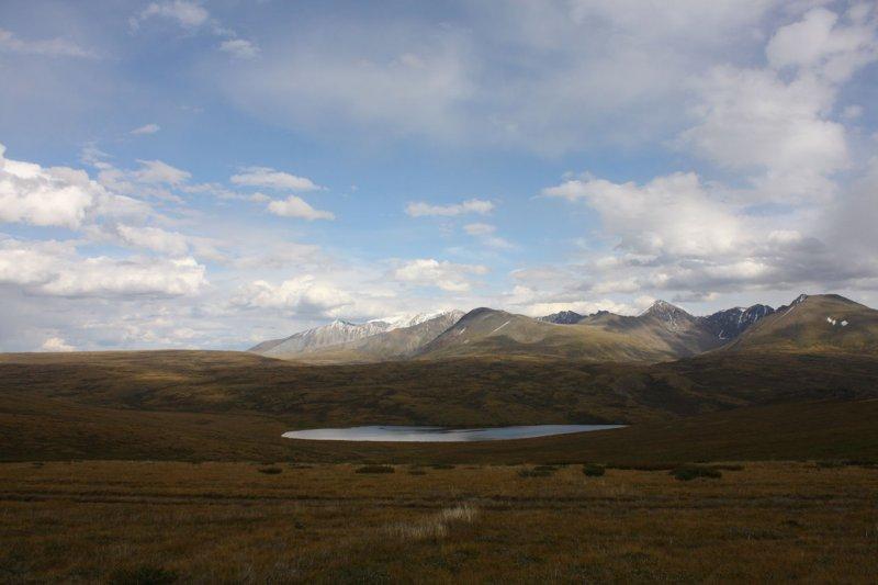 Вид на горный массив Монгун-Тайга
