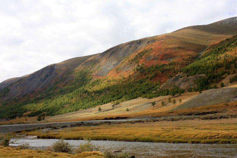 Разноцветные горы