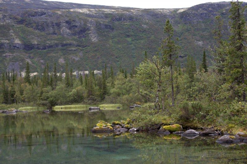 озеро в Ловозерских тундрах