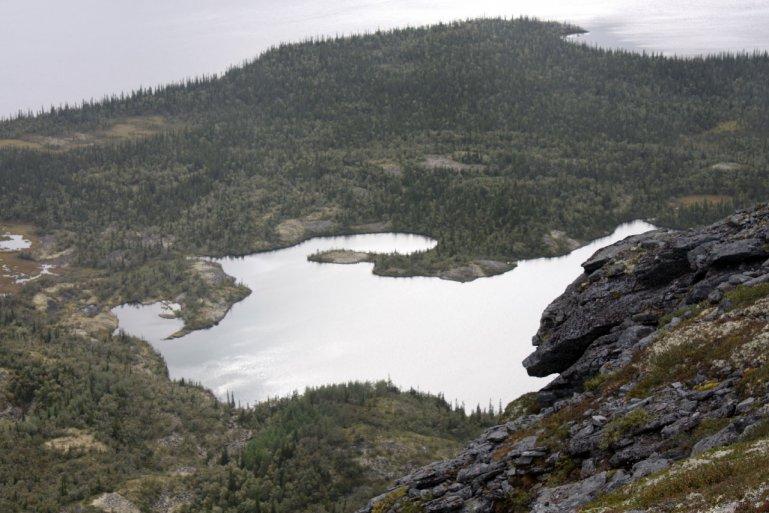 Вид сверху на озеро Щучье