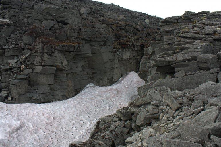 снежник в долине Ферсмана