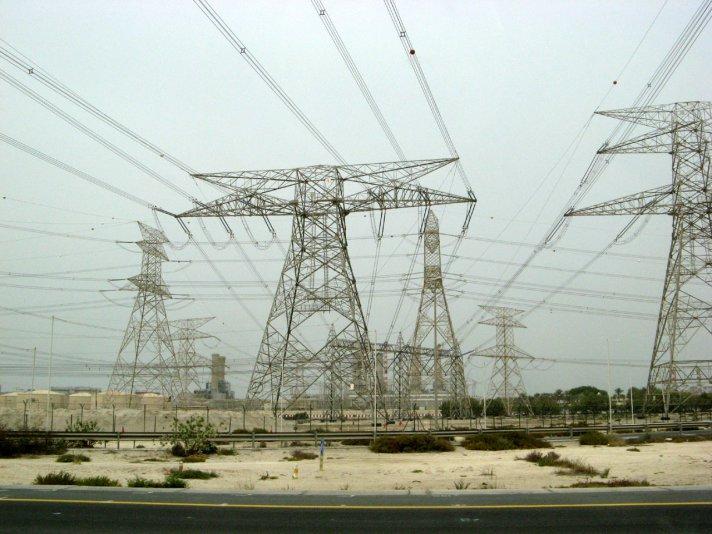 электростанция рядом с городом Дубай