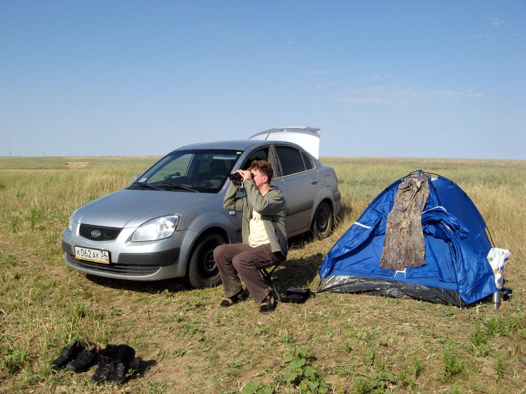 Базовый лагерь на озере в Калмыкии